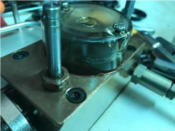 Equipo de instrumentación industrial en mantenimiento