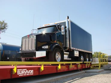 Báscula camionera pesando un trailer