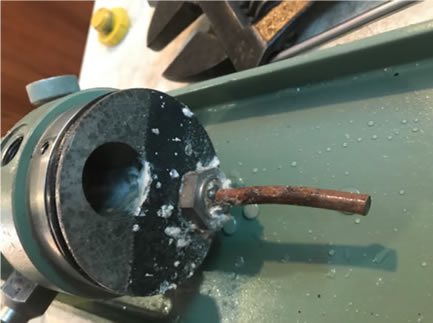 Foto de un equipo de instrumentación industrial en mantenimiento