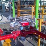 Instalación de un sistema contra incendios usando válvulas de alivio