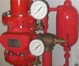 Foto de una válvula de alarma para sistemas contra incendios