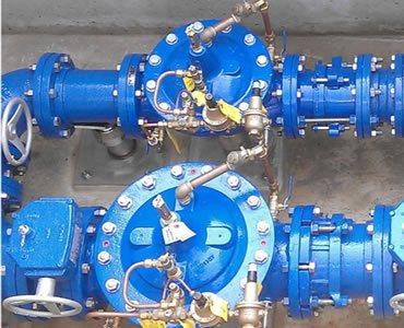 Foto de sistema bombeo utilizando válvulas reductoras y sostenedoras de presión